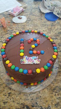 MnM filled cake 7th Birthday, Birthday Parties, Birthday Cakes, Birthday Ideas, Mnm Cake, Desserts To Make, Cake Decorating, Birthdays, Sweets