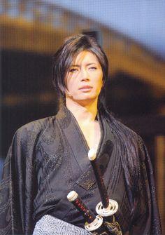 gackt      I love him in traditional samurai wear.