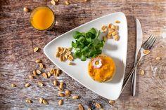 Rakott quinoa édesburgonyával Quinoa, Plastic Cutting Board, Kitchen, Baking Center, Cooking, Kitchens, Home Kitchens, Cucina, Cuisine