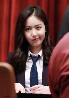 Kpop Girl Groups, Korean Girl Groups, Kpop Girls, Gfriend Profile, Sinb Gfriend, G Friend, Kdrama Actors, Queen B, Meme Faces