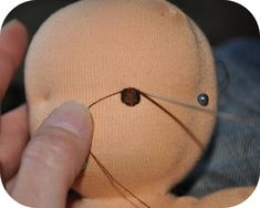 How to make eyes of a Waldorf doll (tutorial in Dutch, but with great pics).