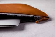 "13"" Macbook Folio Sleeve - Tan - Mujjo"