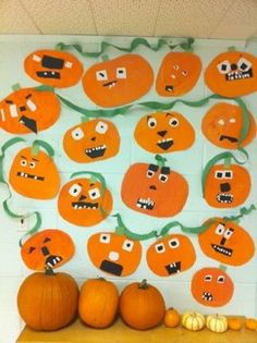 A great way to celebrate fall at school with a pumpkin bulletin board!