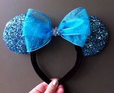Frozen Minnie Mouse Ears by MagicalMickeyEars Mini Mouse Ears, Diy Mickey Mouse Ears, Disney Ears Headband, Disney Headbands, Disney Mickey Ears, Disney Bows, Ear Headbands, Disney Diy, Disney Crafts