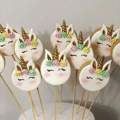 "Tatlı mı Tatlı Şeker mi Şeker🍭 on Instagram: ""Unicorn kurabiyeler 🍪 . . . . . . . #unicorn #unicornkurabiye #unicorncookies #izmitbutikkurabiye #butikpasta #izmitbutikpasta…"" My Little Pony Unicorn, Pasta, Cake, Desserts, Instagram, Ideas, Food, Tailgate Desserts, Deserts"