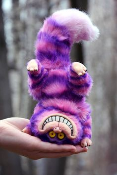 Cheshire Cat - Hobbies paining body for kids and adult Cute Fantasy Creatures, Cat Stands, Munchkin Cat, Cute Toys, Cat Sitting, Cat Tattoo, Cute Baby Animals, Needle Felting, Art Dolls