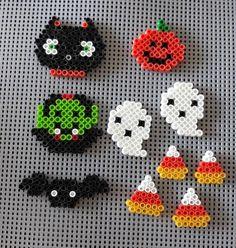 Melt Beads Patterns, Easy Perler Bead Patterns, Perler Bead Templates, Pearler Bead Patterns, Diy Perler Beads, Perler Bead Art, Beading Patterns, Mosaic Patterns, Painting Patterns