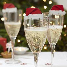 déco pour-Noël pour les flutes de champagne- chapeaux de père Noël