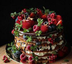Beautiful Cakes, Amazing Cakes, Latest Cake Design, Berry Cake, Honey Cake, Pastry Cake, Let Them Eat Cake, Cake Designs, Cupcake Cakes