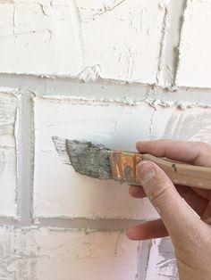 Fake Brick Wall, Fake Walls, Painted Brick Walls, Faux Brick, Diy Crafts Hacks, Diy Home Decor Projects, Quirky Bathroom, Brick Laying, Diy Photo Backdrop