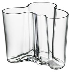 In Alvar Aalto created his classic series of glass vases. The Alvar Aalto Collection has been a staple of modern Scandinavian design ever since. Today, just as then, each and every vase in the Alvar Aalto Collection is mouth blown and created in a w Alvar Aalto Vase, Vase Transparent, Design3000, Contemporary Vases, Modern Vases, Contemporary Furniture, Design Vase, Design Bestseller, Clear Vases