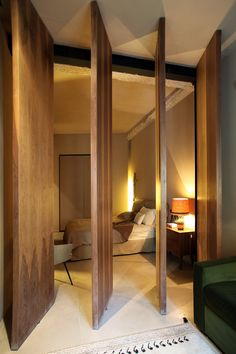 5 Generous Clever Ideas: Room Divider Repurpose House chinese room divider home decor.Easy Room Divider Coffee Tables room divider on wheels small spaces. Fabric Room Dividers, Folding Room Dividers, Wall Dividers, Drawer Dividers, Door Design, House Design, Villa Design, Design Hotel, Moving Walls