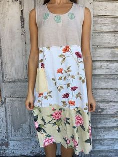 Sleeveless Floral-Print Casual Dresses - - Omygeeze Casual Dresses 1 Floral Dresses Round Neck Casual Floral-Print Sleeveless Dresses – omygeeze Source by gracekev Casual Summer Dresses, Casual Dresses For Women, Moda Hijab, Maxi Dress With Sleeves, The Dress, Gypsy Dresses, Floral Dresses, Sleeveless Dresses, Floral Clothing