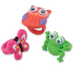 See something cute on your hand! Our Cute Creature Rings are soft rubber jewelry that feature adorable frogs, butterflies and owls with wiggle eyes! With bright colours and fun designs, kids will love to pick this toy out of the treasure chest in your off 1000 Books Before Kindergarten, Bright Colors, Colours, Cute Creatures, Treasure Chest, Yoshi, Minions, Cool Designs, Owl