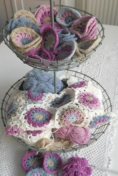 lovely coulors........I love the different way these are done than other patterns I've seen..........wish there was a tutorial or pattern