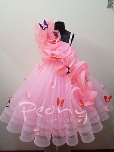 Do you love pink and princesses? Meet your perfect match! Reach out to us on 9491077097 to place an order & for size enquiries as we can customise the dress according to your princesses's measurements. We also ship across the world. Kids Party Wear Dresses, Kids Dress Wear, Baby Girl Party Dresses, Kids Gown, Dresses Kids Girl, Flower Girl Dresses, Dress Party, Kids Frocks Design, Baby Frocks Designs