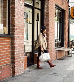 trench + boots + tote