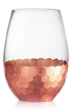 Adding an extra festive touch to any occasion with these stemless wine glasses with gorgeous copper detailing for a modern look.