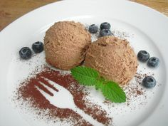 QimiQ creamy chocolate mousse, a very nice recipe from the category Fast . Sweet Desserts, Delicious Desserts, Diy Dessert, Creme Dessert, Bakery, Deserts, Easy Meals, Food And Drink, Pudding