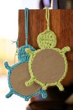 Tyttö kylmän maan: DIY: kilpikonnaheijastin Craft Projects, Craft Ideas, Good And Cheap, Feeling Special, Origami, Diy And Crafts, Crochet Earrings, Make It Yourself, Crafty