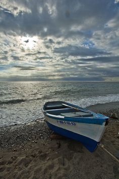 Barca en San Pedro Imagen & Foto | paisajes, mar y playa , naturaleza Fotos de fotocommunity