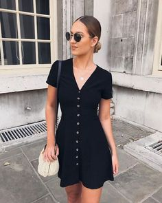 Summer Outfits to replicate 079 - Sommer Dresses Mode - Summer Dress Outfits Summer Outfits Women, Casual Summer Outfits, Spring Outfits, Trendy Outfits, Black Summer Dresses, Dress Black, Dress Casual, Casual Dresses For Teens, Simple Black Dress