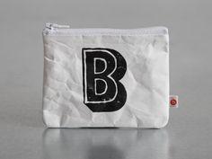 """kleiner Geldbeutel """"B"""" von blandine taschen  auf DaWanda.com Clock, Etsy, Bags, Molde, Ideas, Small Purses, Watch, Handbags, Clocks"""
