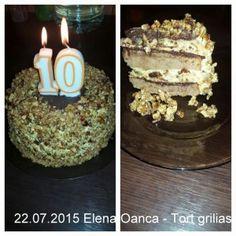 Tort grilias cu ciocolata si nuci caramelizate | Savori Urbane Birthday Candles, Recipies, Dessert Recipes, Cake, Food, Recipes, Kuchen, Essen, Meals