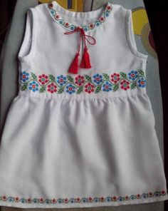 Baby Dress Design, Frock Design, Embroidery Fashion, Embroidery Dress, Kids Dress Wear, Kids Frocks Design, Frock Dress, Indian Gowns Dresses, Applique Dress
