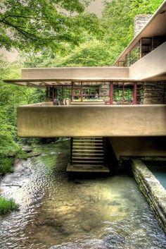 Falling Water House (Kaufmann Residence) by Frank Lloyd Wright (1939).