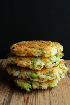 Cheddar Broccoli Rice Patties - The Most Healthy Foods Baby Food Recipes, Dinner Recipes, Cooking Recipes, Dinner Dishes, Rice Recipes For Kids, Lunch Box Recipes, Vegetable Recipes, Vegetarian Recipes, Healthy Recipes