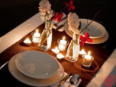 Fotozgodbe :: Pogrinjek diši po pomladi Romantic Dinner Tables, Romantic Dinner Setting, Romantic Dinner Recipes, Romantic Room, Romantic Picnics, Romantic Dinners, Picnic Decorations, Diy Birthday Decorations, Date Dinner