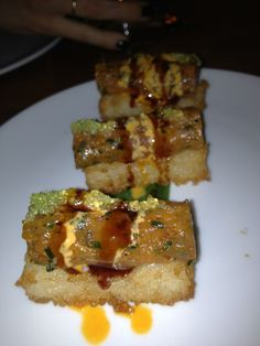 Crunchy rice cakes, tuna tartare, wasabi tobiko.