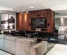 Para acolher e relaxar. Veja: http://casadevalentina.com.br/projetos/detalhes/para-acolher-e-relaxar-545 #decor #decoracao #interior #design #casa #home #house #idea #ideia #detalhes #details #style #estilo #casadevalentina #livingroom #saladeestar #wood #madeira