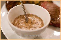 La sauce au poivre accompagne les viandes grillées, elle est rapide et simple à préparer, vous pouvez varier les saveurs en mélangeant différents poivres.
