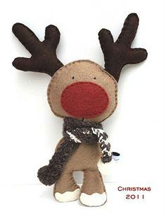 fércművek xmas.....Felt reindeer