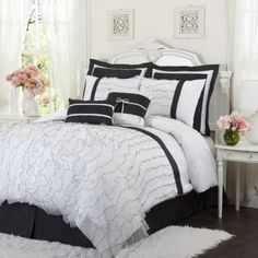 Amazon.com: Lush Decor Romana 4-Piece Comforter Set, Queen, Black/White: Home & Kitchen