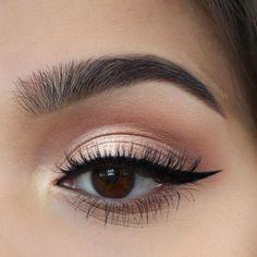 easy eyeliner for beginners . easy eyeliner for beginners step by step . easy eyeliner for beginners simple . easy eyeliner looks . Makeup Trends, Makeup Inspo, Makeup Inspiration, Makeup Ideas, Makeup Hacks, Hair Hacks, Skin Makeup, Beauty Makeup, Glam Makeup