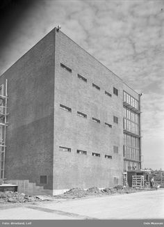 Standard telefon- og kabelfabrikk, byggevirksomhet