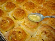 Mennonite Girls Can Cook: Sour Cream Orange Buns