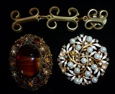 Minimalist Mid Century White Brooch and Earrings Mothers Day Present Bauble Brooch Scandinavian Jewellery Set Vintage Screw Back Earrings