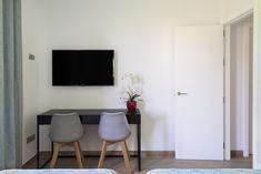 Rincones únicos en estancias diseñadas con criterios Well. La arquitectura saludable está siempre presente en las viviendas que diseñamos para nuestros clientes. Flat Screen, Gift, Count, Healthy, Architecture, Interiors, Blood Plasma, Flatscreen
