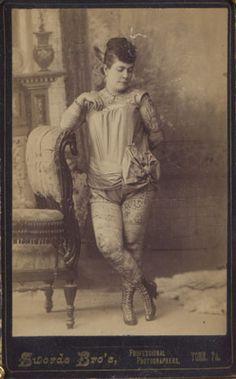 Nora Hildebrandt, father owned first tattoo shop in US. Nora Hildebrandt, father owned first tattoo shop in US. Scarification Tattoo, Historical Tattoos, Victorian Tattoo, Circus Tattoo, Human Oddities, Vintage Circus, Vintage Gypsy, Museum, First Tattoo