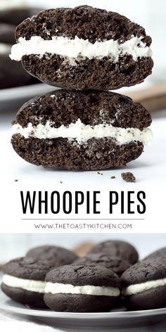 Whoopie Pies - The Toasty Kitchen Peanut Butter Desserts, No Bake Desserts, Easy Desserts, Delicious Desserts, Dessert Recipes, Yummy Food, Cake Mix Cookies, Sandwich Cookies, Yummy Cookies