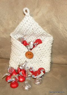 Swirls and Sprinkles: Free crochet Valentine's Day envelope pattern