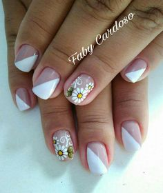 Lindos Modelos de Unha Decorada com a Flor Margarida Daisy Nails, Winter Wallpaper, Casino Cakes, Dinners For Kids, Cookies Et Biscuits, Shop Signs, Craft Videos, Pretty Nails, Nail Colors