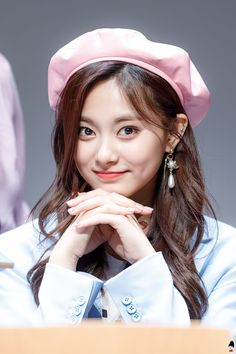 Kpop Girl Groups, Korean Girl Groups, Kpop Girls, Human Poses Reference, Photo Reference, Extended Play, Nayeon, Tzuyu Body, Twice Tzuyu