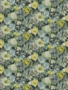 Roseto, a feature wallpaper from Designers Guild, featured in the Caprifoglio collection.