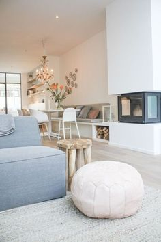 / moderna y luminosa sala de estar # living room / modern li . Home, Small Living Room, Living Room Interior, House Interior, Home Deco, Interior Design Living Room, Interior Design, Home And Living, Living Room Designs