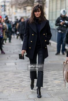 Emmanuelle Alt outside Jean Paul Gaultier during the Paris Fashion Week -Haute Couture- Spring/Summer 2016 on January 27, 2016 in Paris, France.